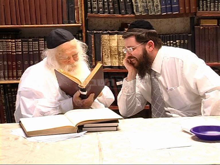 הגר''ח קנייבסקי עם תלמידו הרה''ג רבי אורי טיגר