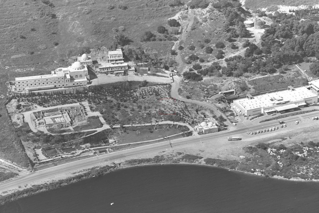 קבר רבי מאיר בעל הנס והכנרת, בשנת 1970 (צילום: MILNER MOSHE, לע''מ)