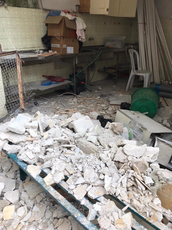 הקיר שנפל (צילום: דוד זר)