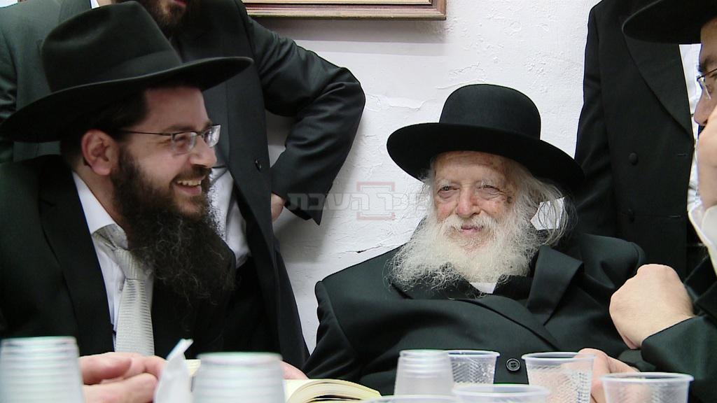 מרן הגר''ח קנייבסקי בביקור חג בירושלים בבית תלמידו ומקורבו הגדול הרה''ג אורי טיגר