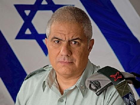 ראש אכ''א אלוף אלמוז. הקצין שיינזף (צילום: דובר צה''ל)