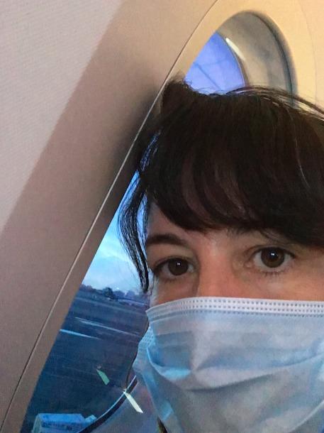 מסיכות כל הטיסה. (צילום: מיכל ולקין)