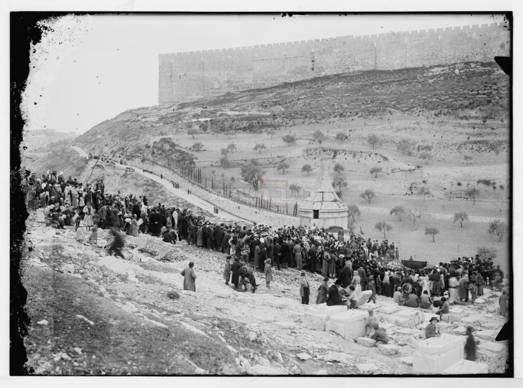 החופה בהר הזיתים (צילום: ארכיון המבשר)