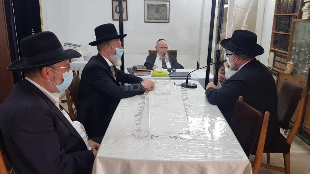 הרב גולדשמידט אצל ראש הישיבה