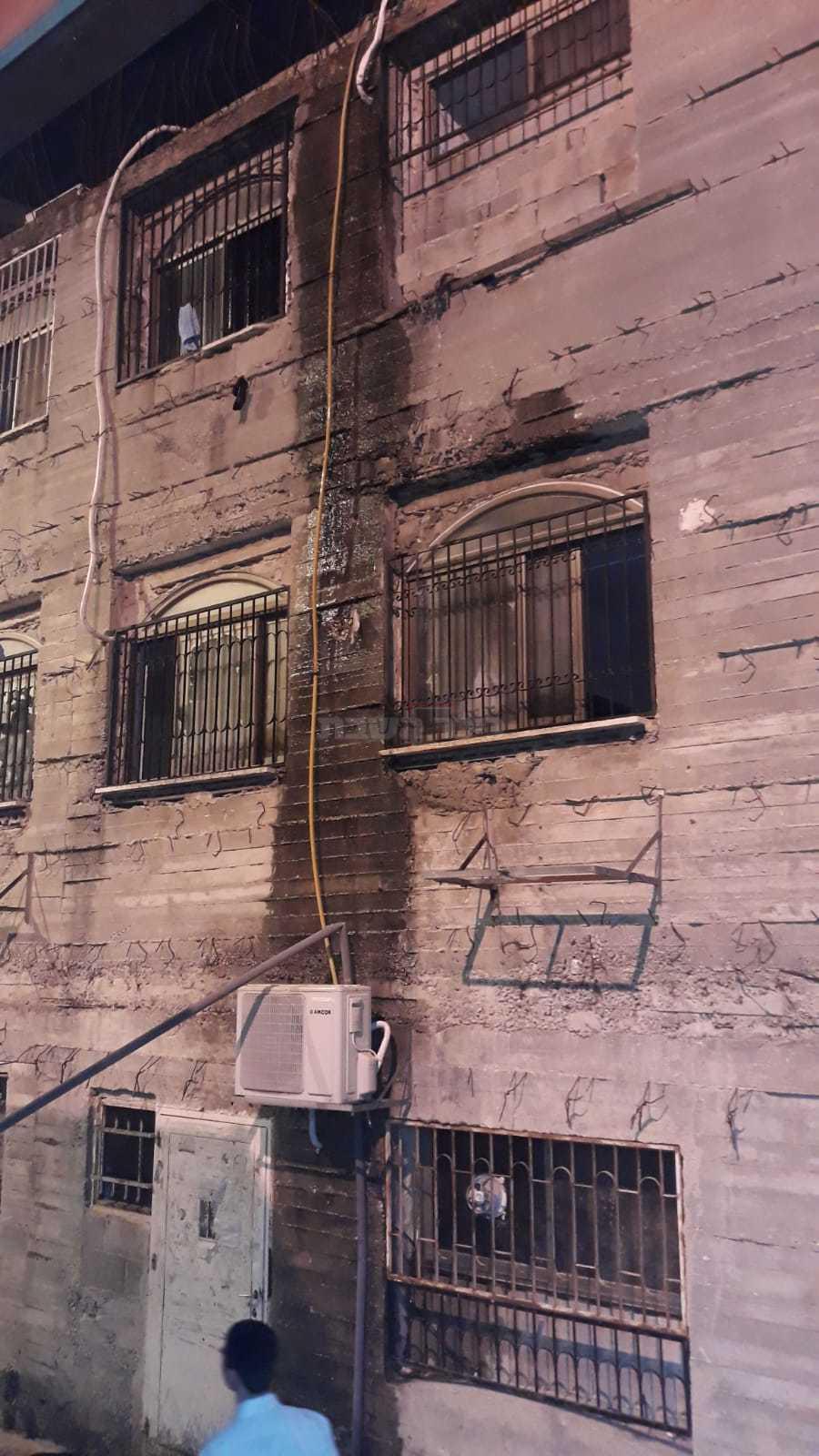 הקיר ממנו נפל הבחור (צילום: קבוצת שטח בוער)