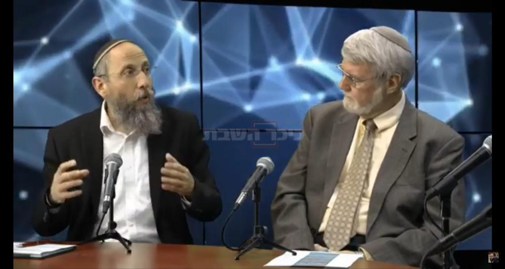 הרב יוסף צבי רימון ופרופסור חיים סוקניק (המרכז האקדמי לב)