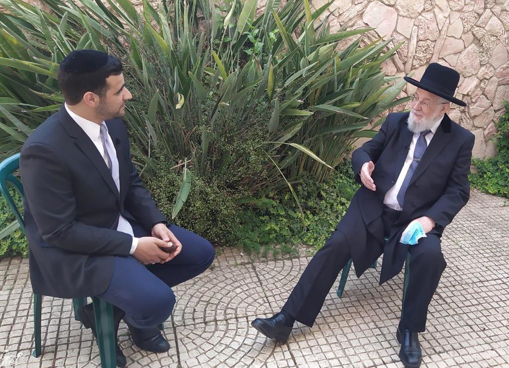הרב ישראל מאיר לאו בשיחה עם ישי כהן
