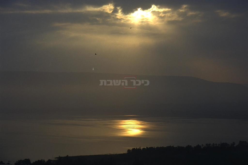 הכנרת בשנת 2002 (צילום: MARK NEYMAN, לע''צ)