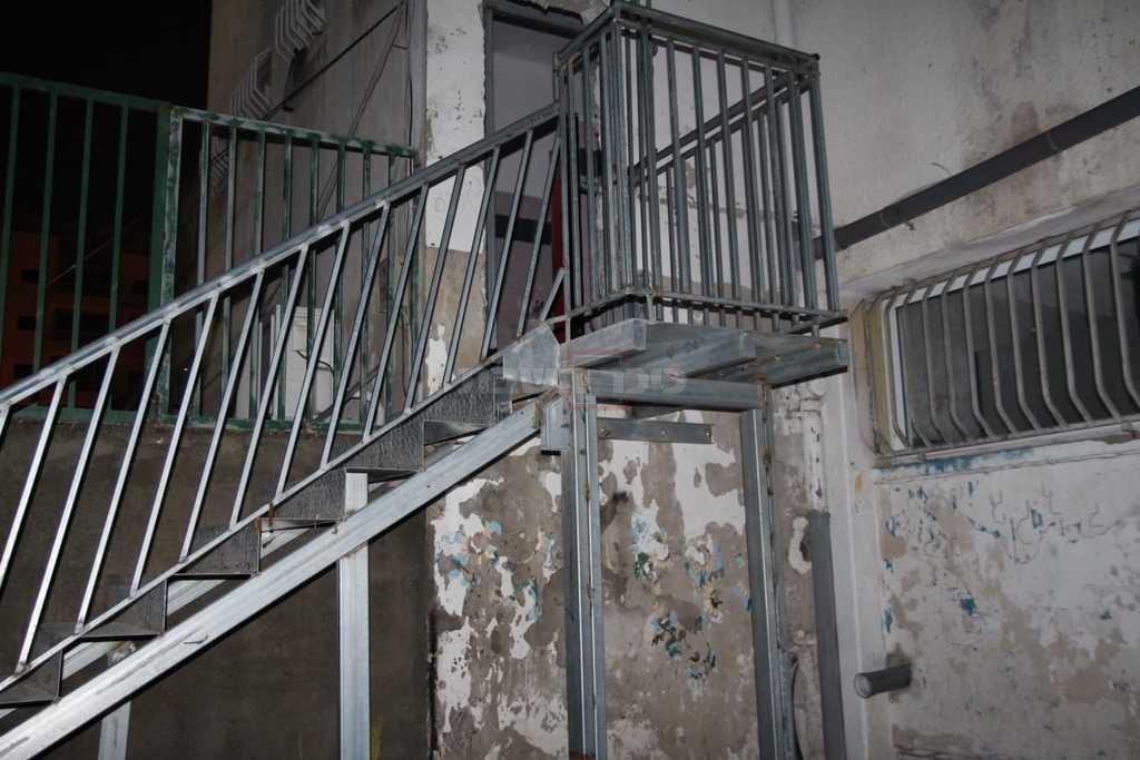 המדרגות לכניסה החדשה