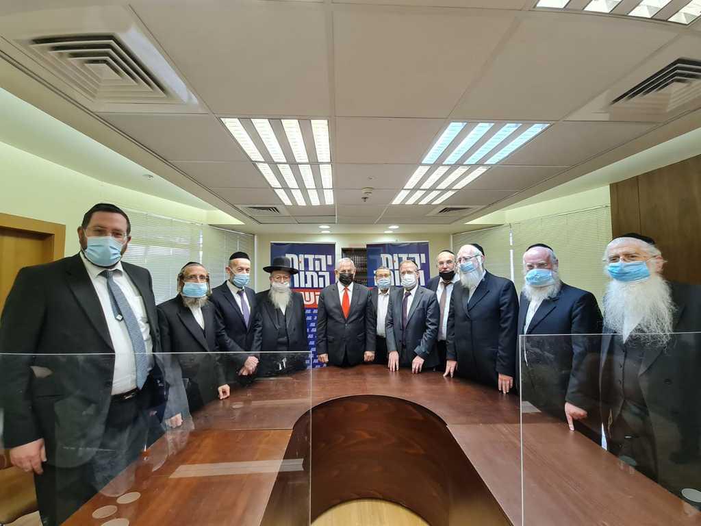 נתניהו בחדר יהדות התורה (צילום: דוברות)