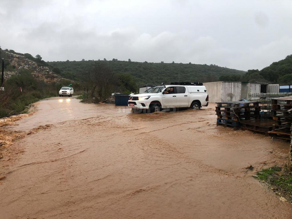 החילוץ מהיקב (צילום: דוברות המשטרה)
