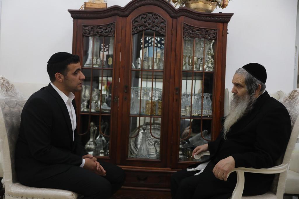 הרב שלום ארוש עם פרשן 'כיכר' ישי כהן
