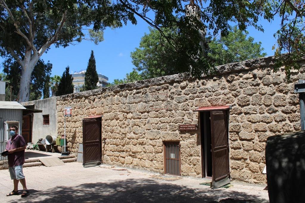 מוזאון החאן חדרה, מקום התישבותם של ראשוני חדרה מיסודו של הגרמ''מ אפשטיין (צילום: ישראל שפירא)