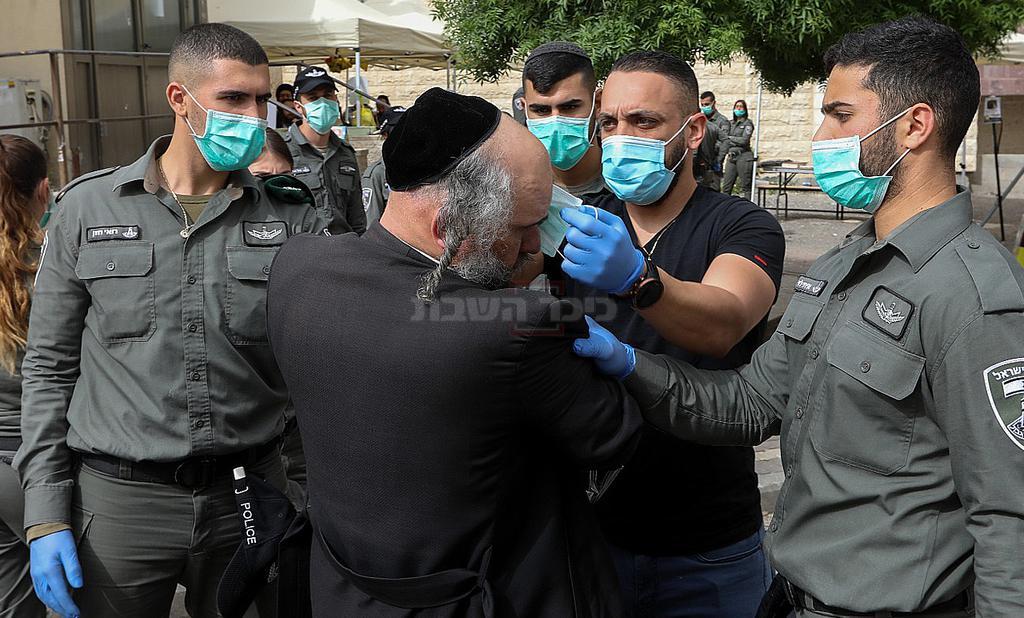בנימין פרידמן בעת מעצרו (צילום: יעקב לדרמן, פלאש 90)