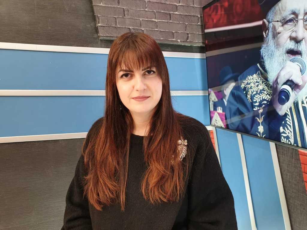 ילנה פרלמן  באולפן 'סוגרים שבוע'