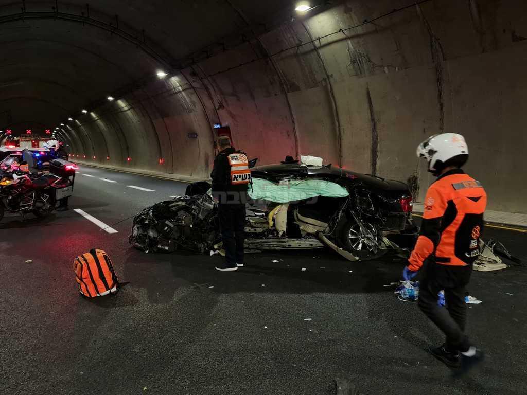 הרכב, בזירת התאונה (צילום: דוברות איחוד הצלה)