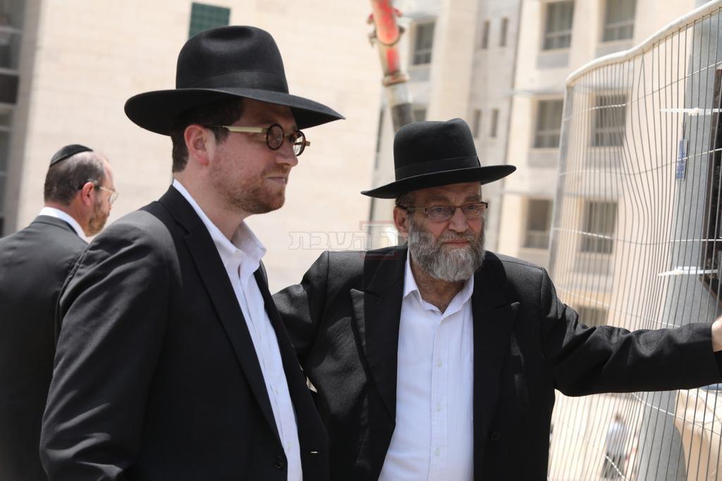 ח''כ משה גפני עם פנחס ארליך. ארכיון (צילום: שלומי כהן)