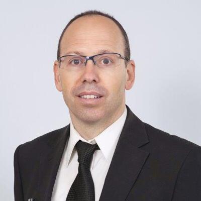 עו''ד רועי בראונר, פרקליטה של המטפלת (ללא קרדיט)