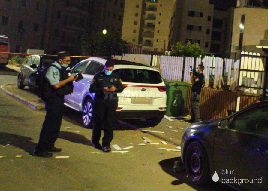 זירת הנפילה בשדרות (צילום: דוברות המשטרה)