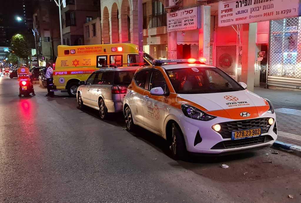 התאונה ברחוב רבי עקיבא (צילום: תיעוד מבצעי איחוד הצלה)