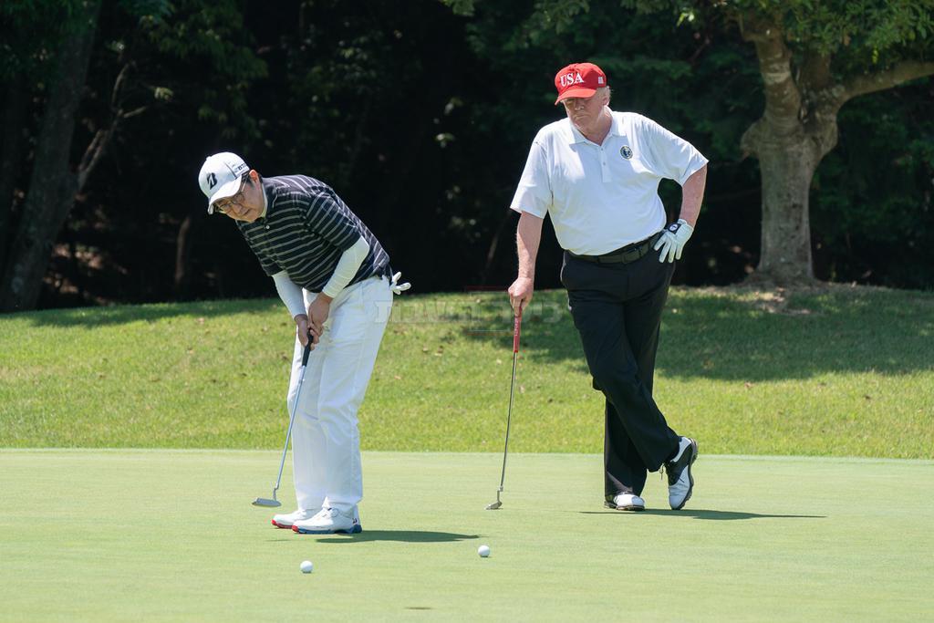 טראמפ משחק גולף, צילום: שילה קרייגהד, הבית הלבן