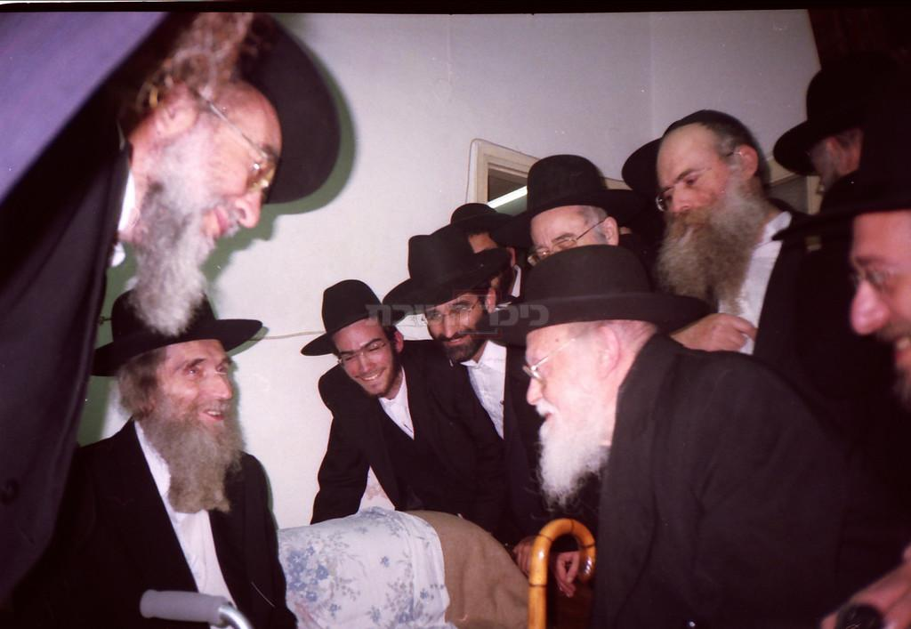 הגרי''ש אלישיב בביקור אצל הגראי''ל שטיינמן (צילום: בני ברקי, ויקיפדיה)