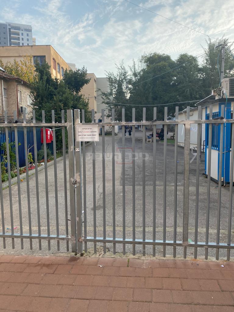 בית הספר הבוקר, ללא שומר (באדיבות המצלם)