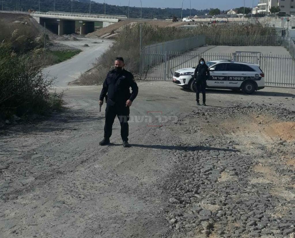 השוטר והאקדח (באדיבות המצלם)