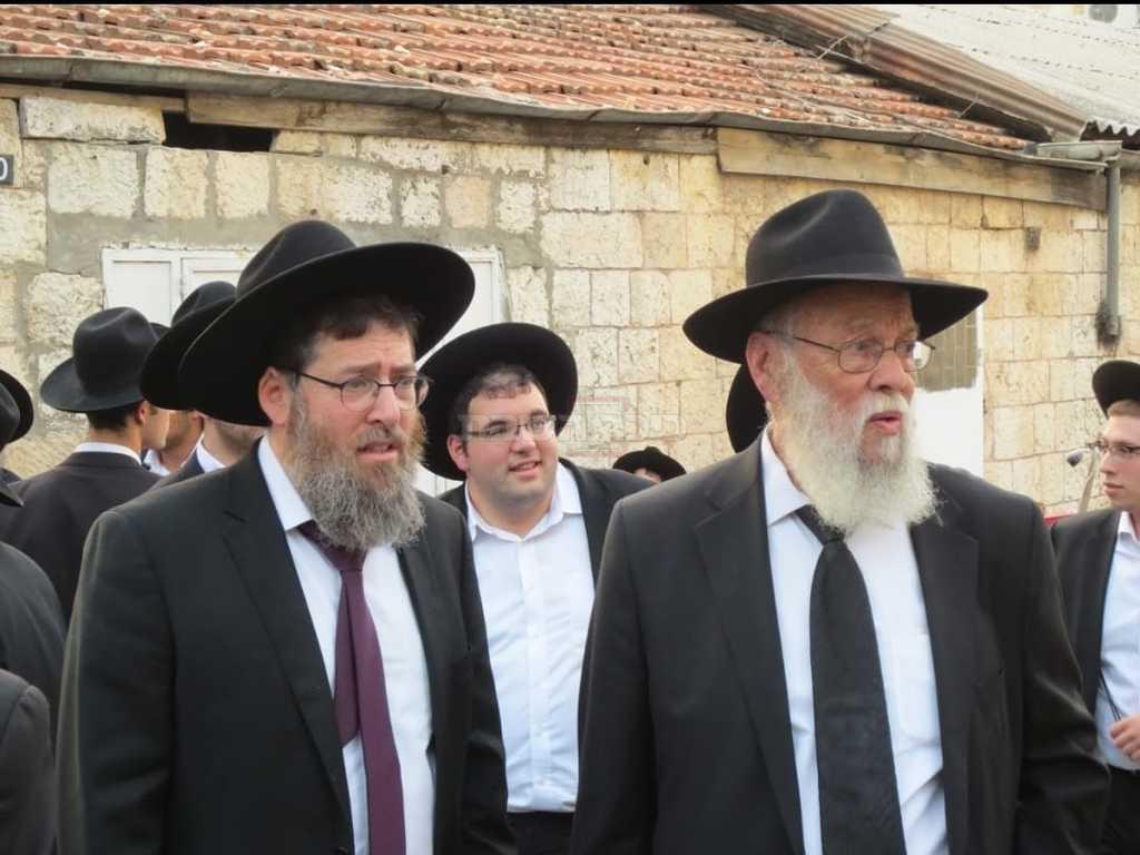 ראש הישיבה הרב הרב אברהם גורביץ והמנהל הרוחני הרב חנניה מנס (באדיבות המצלם)