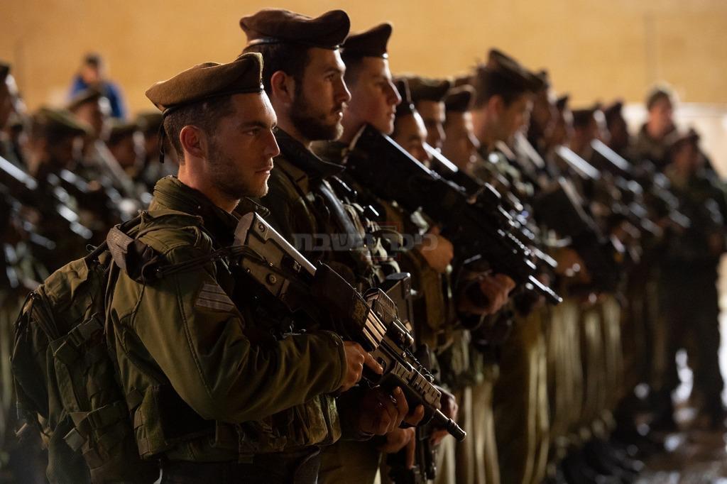 החיילים בכותל לאחר הפיגוע (צילום: דובר צה''ל)