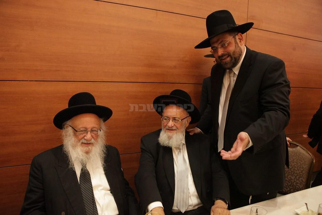 עם הגרב''ד פוברסקי ובנו לייזר ראוכברגר מ''מ ראש עיריית ירושלים