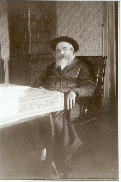 הרבי ממונקאטש (צילום: מתוך ויקיפדיה)