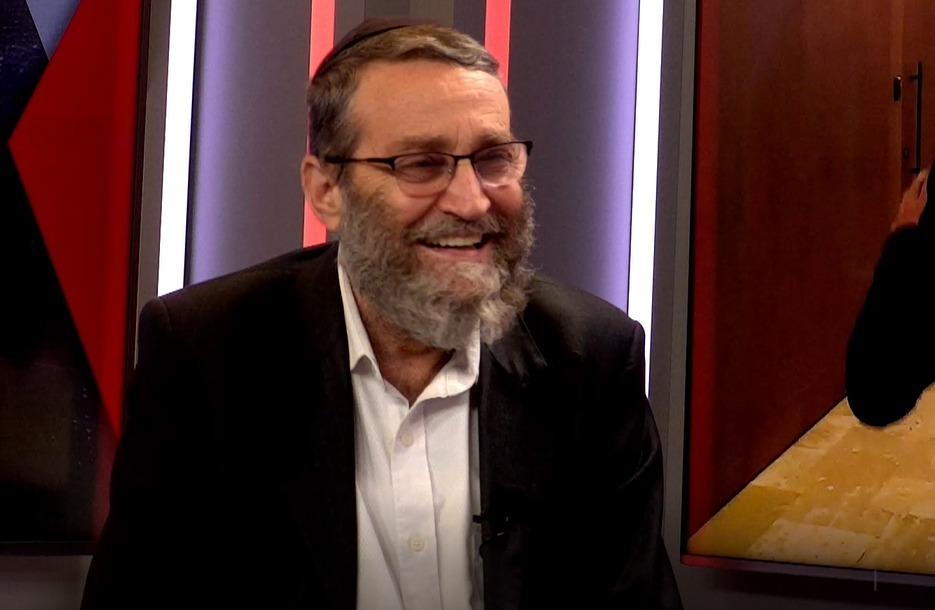 ח''כ משה גפני באולפן 'כיכר השבת'
