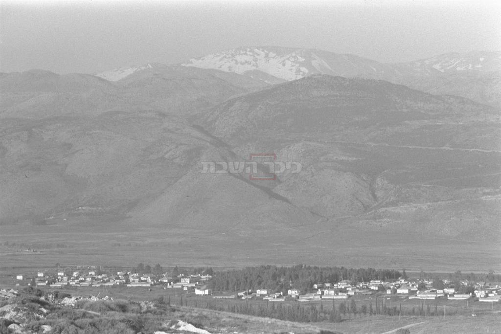 מושב כפר יובל למרגלות הר החרמון, 1980 (צילום: MILNER MOSHE, לע''מ)