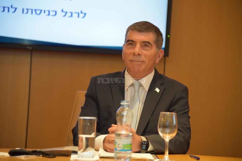 שר החוץ הנכנס, גבי אשכנזי (צילום: משרד החוץ)