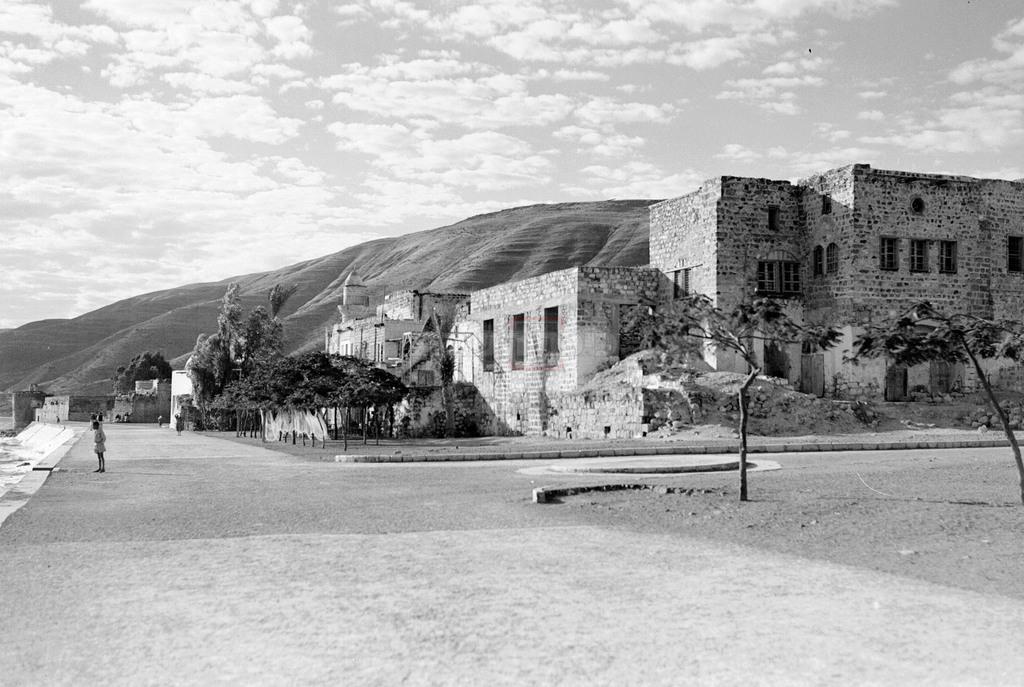 המרחצאות החמים ליד העיר טבריה, 1937 (צילום: KLUGER ZOLTAN, לע''מ)