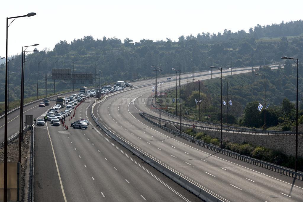 התנועה בכבישים בשנה שעברה ( Gili Yaari /Flash90)