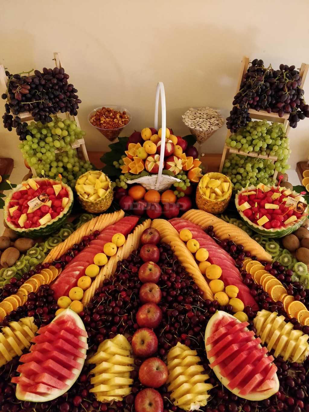 בר פירות פוטוגני בחתונה