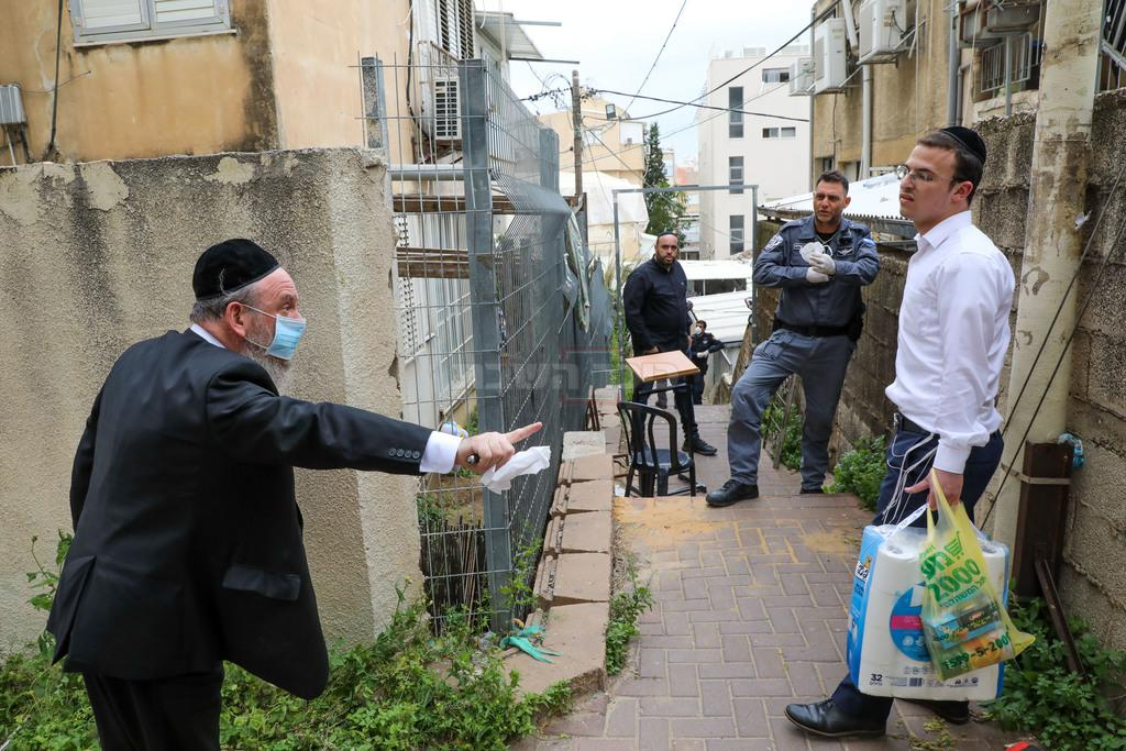 פינוי בית כנסת, בבני ברק (צילום: Yossi Zamir/Flash90)