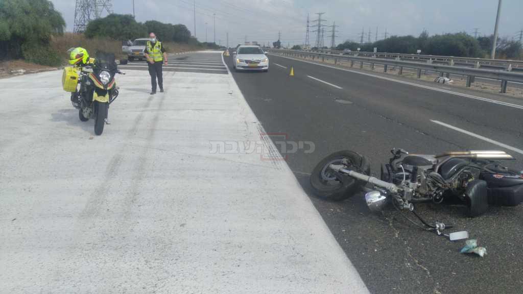 זירת התאונה (צילום: דוברות מד''א-הצלה דרום)