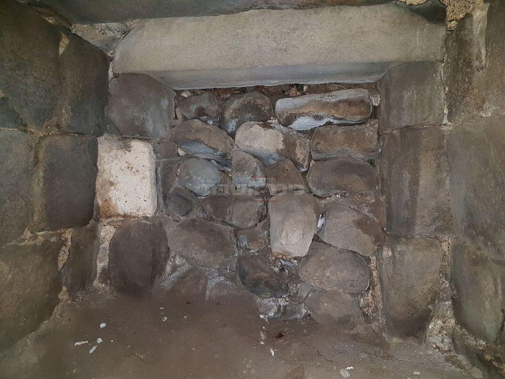 אזור המערה (צילום: הארכיאולוג יאיר עמיצור)