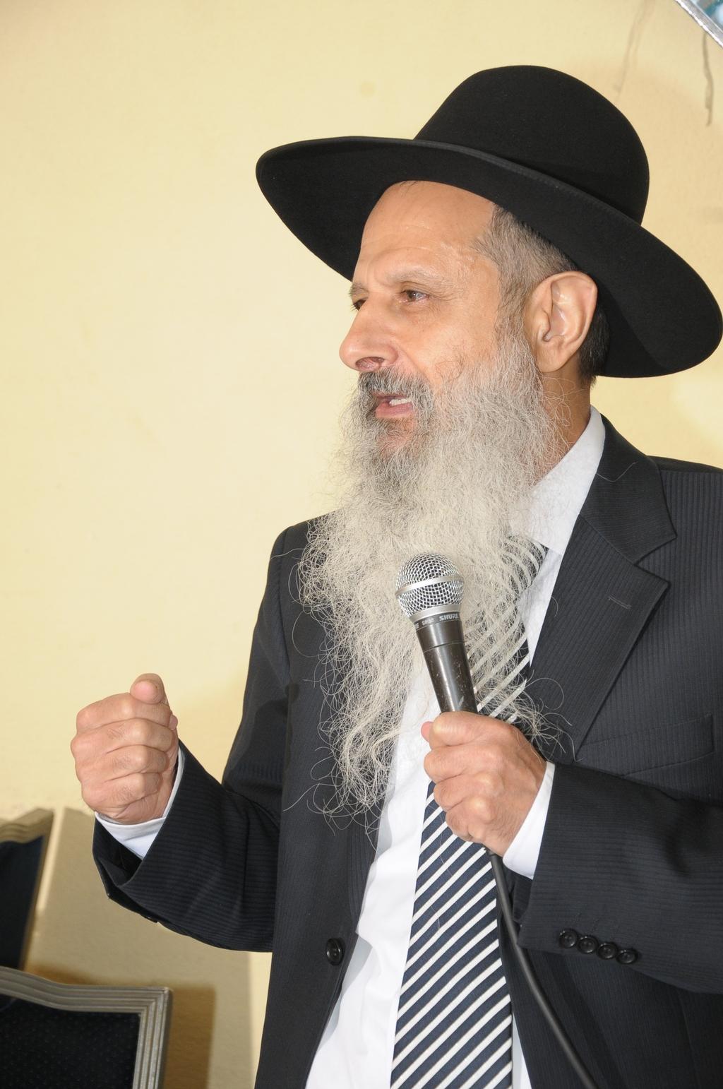 ד''ר אברהם לוי
