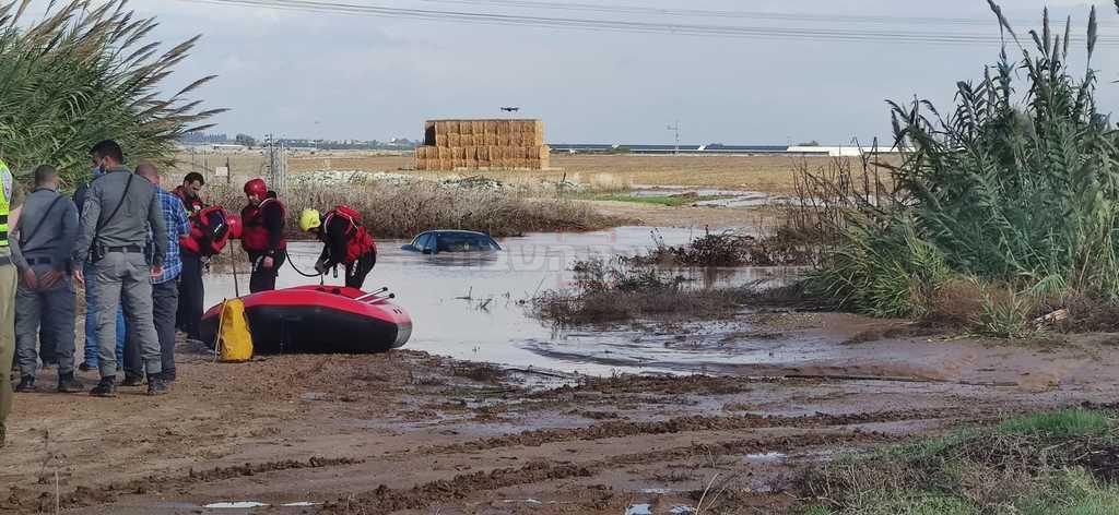 חילוץ רכב באשקלון (צילום: קבוצת מדברים תקשורת)