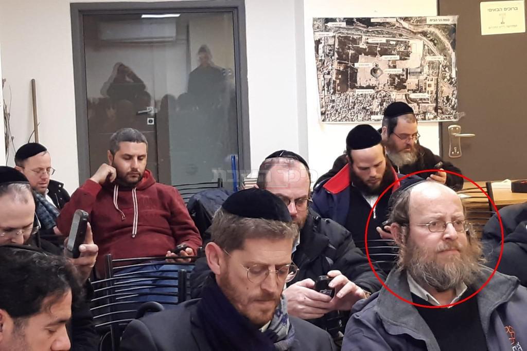 מימין: הרב גלבמן ז''ל - אתמול בערב (באדיבות המצלם)