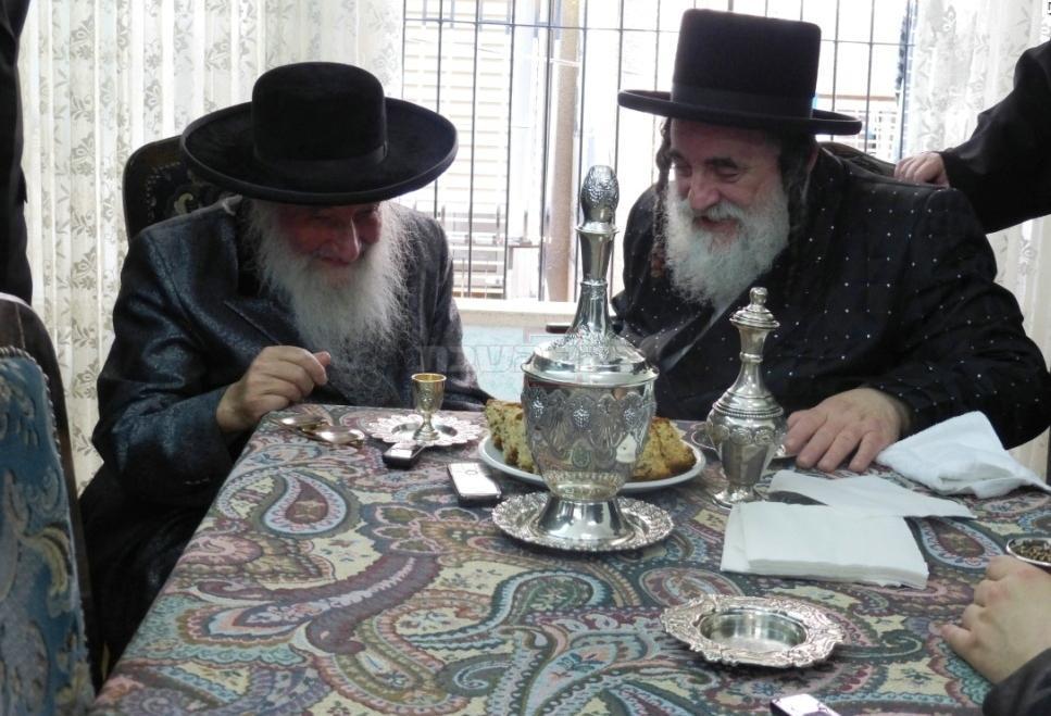 עם הרבי מויז'ניץ: קרדיט: חצר הקודש ויז'ניץ