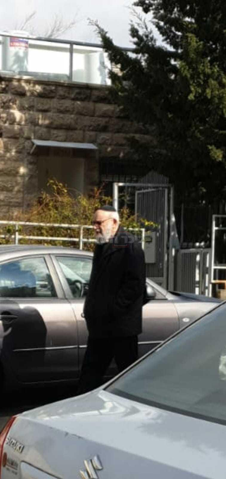 הפרופ' דוד רוזנטל בשכונת גבעת המבתר