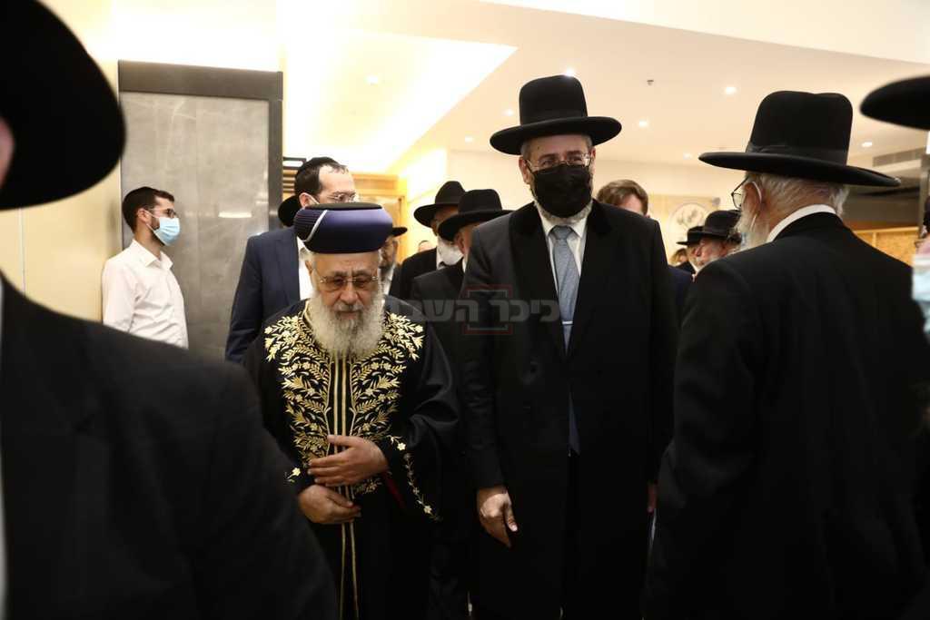 הרבנים נכנסים לכינוס החירום, היום
