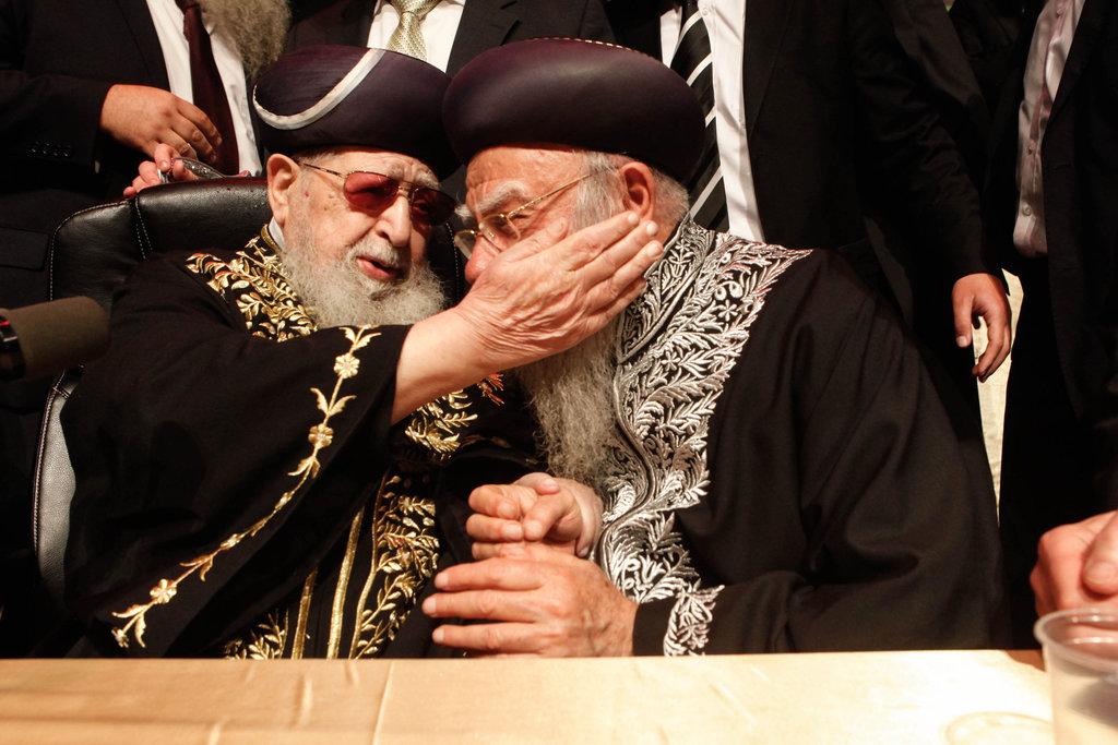 לצד מרן פוסק הדור רבינו עובדיה יוסף זצ''ל (פלאש 90)