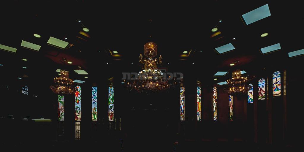 מתוך בית הכנסת הספרדי בקרית אתא (צילום:יריב אלדד)