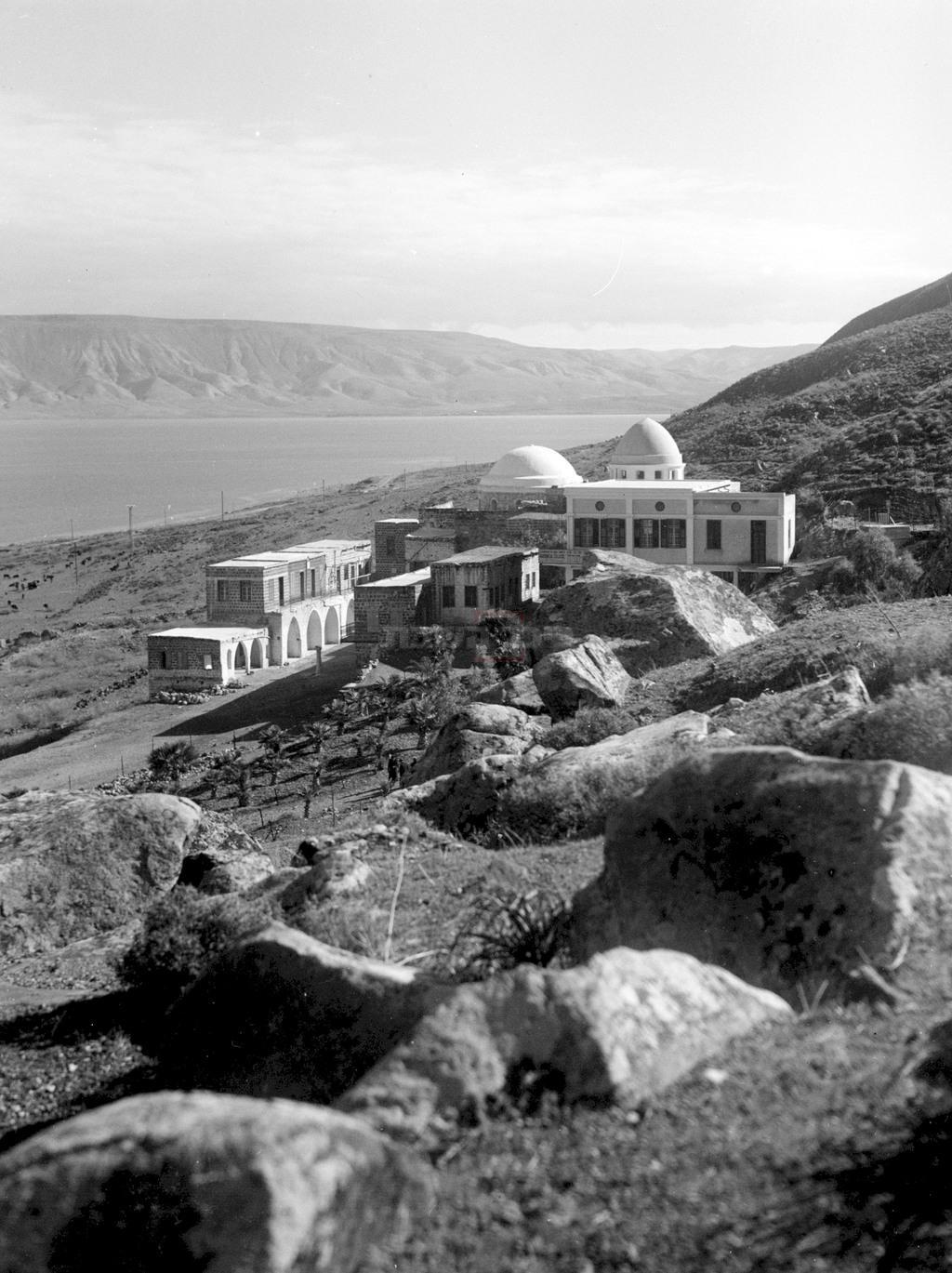 קבר רבי מאיר בעל הנס והכנרת, בשנת 1937 (צילום: KLUGER ZOLTAN, לע''מ)